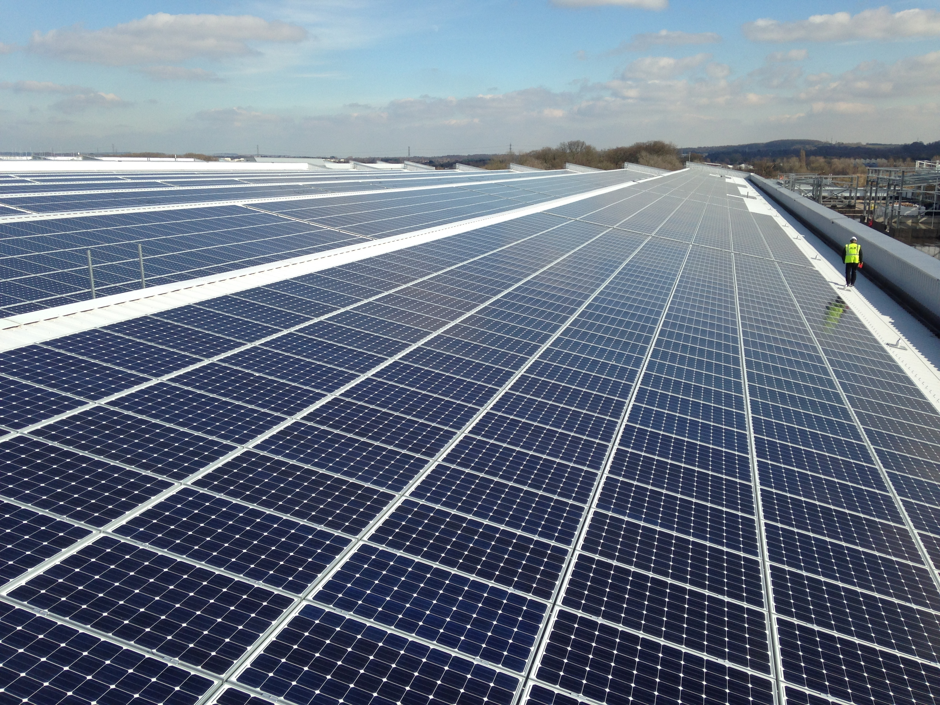 Jag Land Rover Have Just Installed The Uks Largest Solar