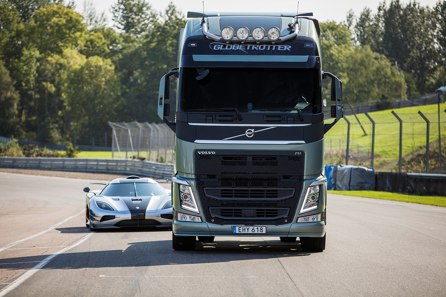 Volvo Trucks Unique I Shift Dual Clutch Gearbox Is Tested In The New Movie V Koenigsegg Film A Fh Comes Up Against