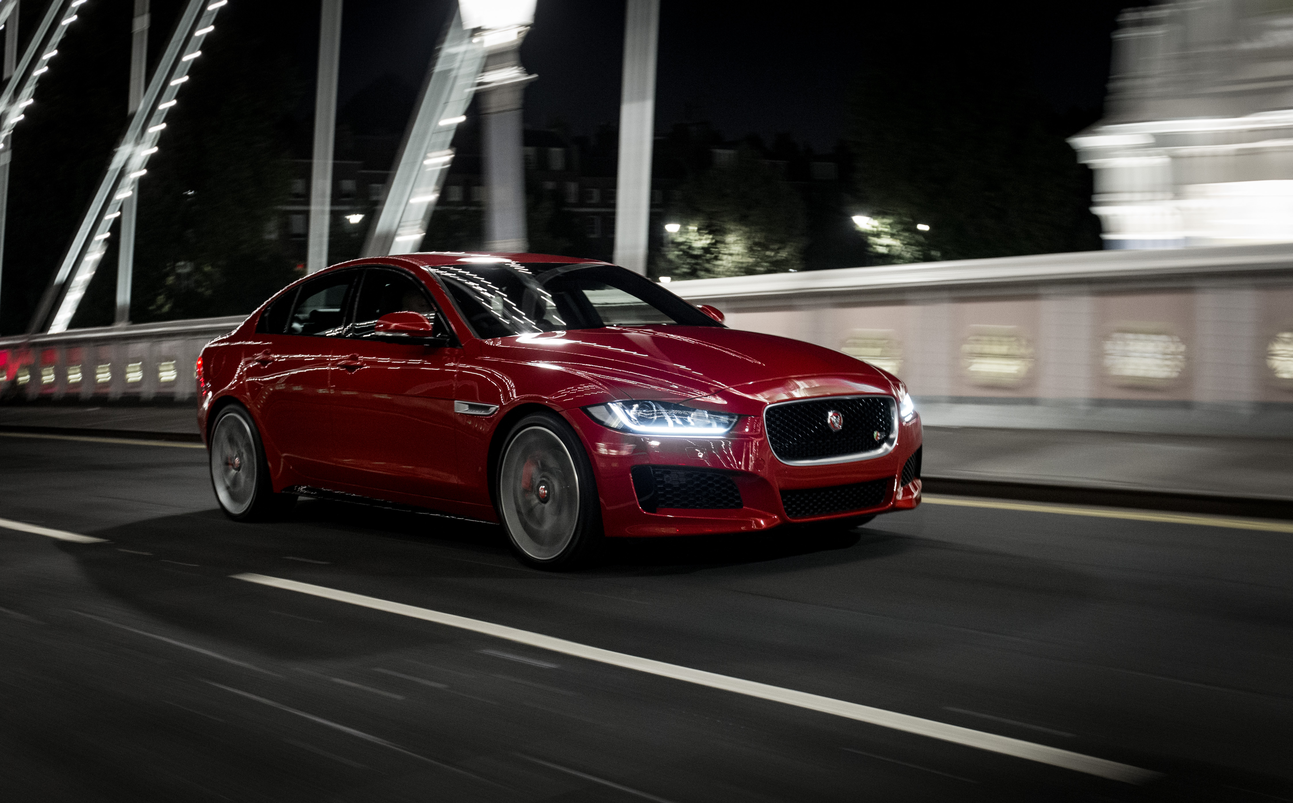 in auto e to com news car race autoguide formula jaguar