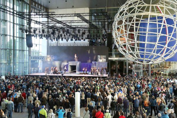 Wolfsburg 01 June 2015 - Around 35,000 visitors took part in the Autostadt's 15th anniversary celebrations (Autostadt GmbH/Matthias Leitzke)