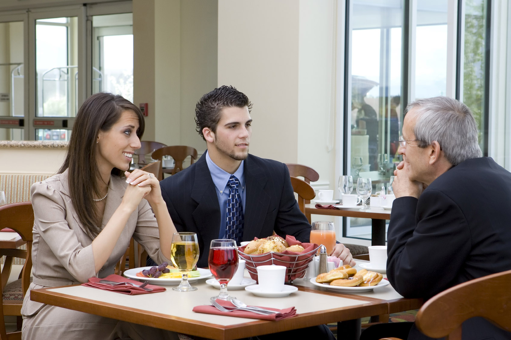 How to Plan and Survive Business Lunch
