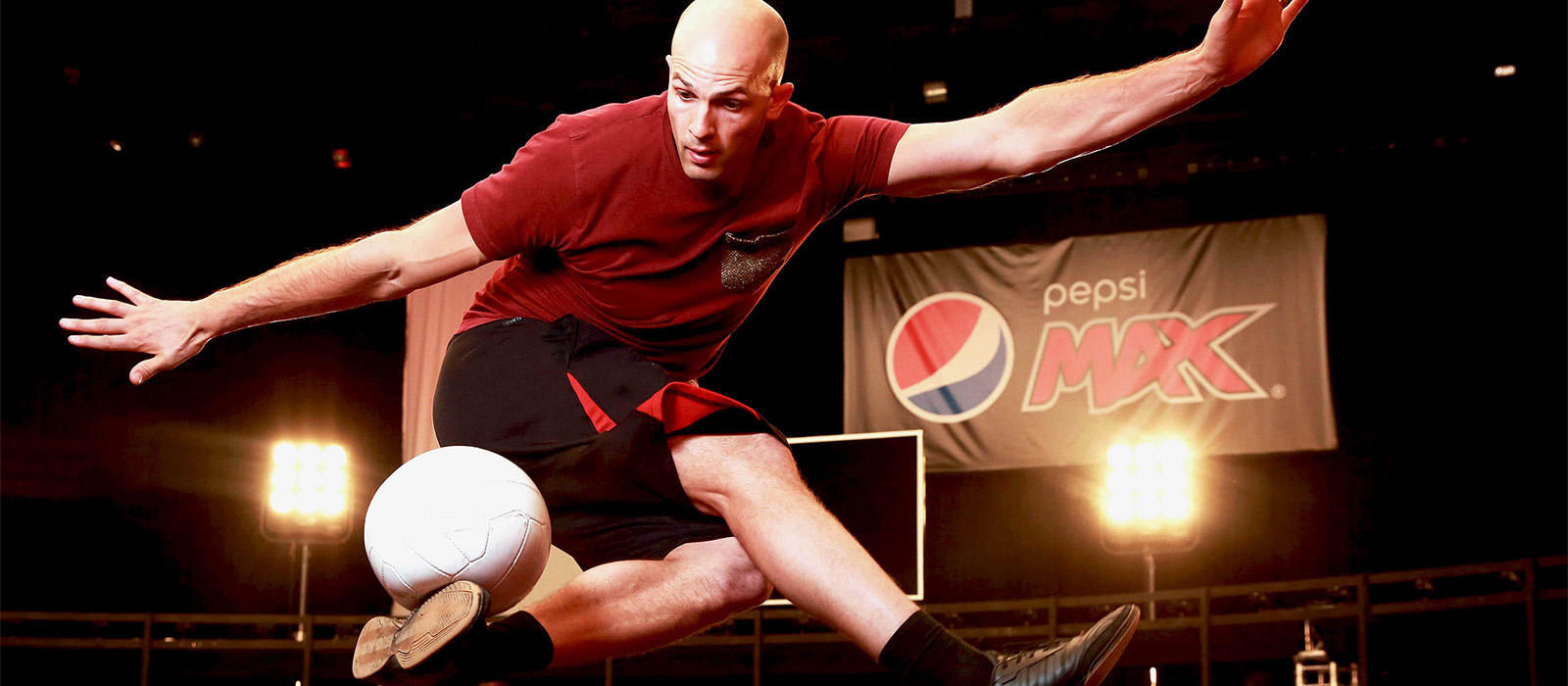 EDITORIAL USE ONLY Daniel Cutting, Professional Football Freestyler and FIVE-TIME Guinness World Record Holder, performs at the launch of the Pepsi MAX Volley Arena in Essex. PRESS ASSOCIATION Photo. Picture date: Thursday April 21, 2016. Photo credit should read: Matt Alexander/PA Wire